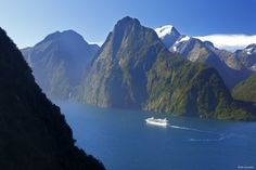 Cruise ship in Milford Sound, Fiordland National Park, New Zealand