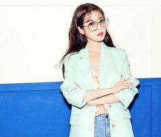 Korean Age, Korean Girl, Iu Twitter, Queen Pictures, Little Sisters, Korean Singer, My Idol, Female Models, Girl Group
