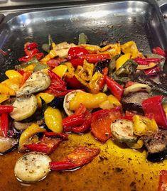 ΜΑΓΕΙΡΙΚΗ ΚΑΙ ΣΥΝΤΑΓΕΣ 2: Λαχανικά ψητά !!! Paella, Salads, Chicken, Meat, Ethnic Recipes, Desserts, Cakes, Food, Tailgate Desserts
