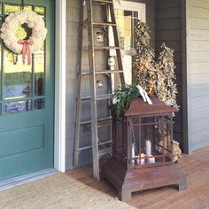 Our Farmhouse Christmas Porch [2015]-now THAT is a LANTERN!