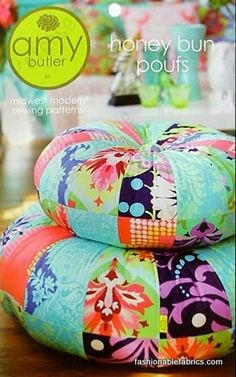 Honey Bun Poufs Pattern by Amy Butler I know, I've probably pinned these before. But I love them, and I can't help but love Amy Butler! Also, Amy Butler Parsons (my daughter. Sewing Crafts, Sewing Projects, Craft Projects, Projects To Try, Diy Crafts, Amy Butler Fabric, Honey Buns, Patchwork Pillow, Quilted Pillow