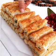 Different Types of Pastry, Cookie Recipes Easy Cake Recipes, Snack Recipes, Cooking Recipes, Turkish Recipes, Indian Food Recipes, Savory Pastry, Good Food, Yummy Food, Salty Snacks