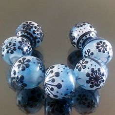 PIKALDA=handmade lampwork 7 glass beads dot line snow winter=SNOWFLAKE=SRA