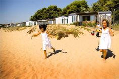 Lovely bungalows on the beach, a camping holiday « Babyccino Kids: Daily tips, Camping Las Palmeras