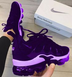 """Pin by jen on Nike shoes in 2019 Questions For Couple Shoe Game Spell """"Nike"""" in a row to win How To Wear Converse Sneakers For Women - Stylish Bunny Kicks Shoes, Women's Shoes, Me Too Shoes, Shoe Boots, Platform Shoes, Cute Sneakers, Shoes Sneakers, Winter Sneakers, Gucci Sneakers"""