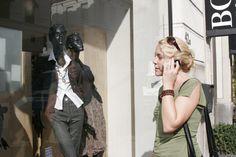 Princess - Knokke-Heist  Princess ist eine exklusive Boutique für Damen- und Kindermode auf dem Seedeich in Knokke-Heist. Belgischen und internationalen Designermarken wie Ralph Lauren, Max Mara und Essentiel bestimmen das Sortiment.