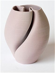 Cerámicas de Joan Hardie en Studiopottery.co.uk - 2016. florero Loopy