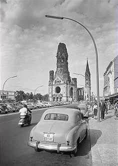 Berlin 1955 an der Kaiser-Wilhelm-Gedaechtniskirche