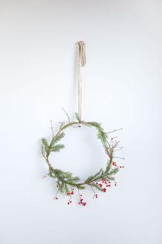 Envie d'une couronne de Noel sobre et minimaliste, à l'esprit scandinave ?