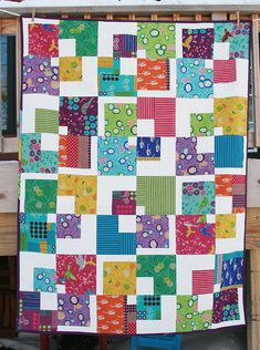Echino Squared. By Faith of Fresh Lemons http://www.freshlemonsquilts.com    I love the design of this, now to figure out which fabric to use for this... Outfoxed perhaps?