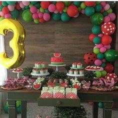 Festa de melancia por @casamontiel via @kikidsparty  #festafrutas #festainfantil #aniversario #festadecorada #festamelancia