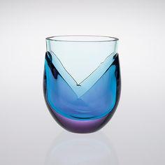 Kukka -vase for Nuutajärven Lasi by Heikki Orvola Finland Glass Design, Design Art, Wine Glass, Glass Art, Lassi, New Pins, Scandinavian, Retro Vintage, Ceramics