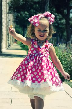 Minnie Mouse Dress & Huge Oversized Bow from VeryChicBaby sz :: Fighting for Branden Online Shop Pink Minnie Mouse Dress, Minnie Mouse Costume, Little Girl Dresses, Girls Dresses, Flower Girl Dresses, Minnie Mouse Birthday Outfit, Mouse Outfit, Tutu, Birthday Dresses