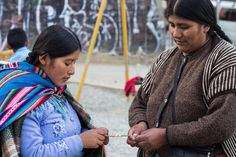 Our artisans are making bracelets that help children in Bolivia.