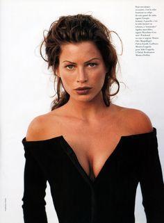 Vogue France, November 1992Photographer: Fabrizio FerriModel: Carre Otis