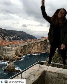 #Repost @courtneydrew Soaaarrriin flyyyyyin into Hrvatska  #ispyapi #studyabroad #dubrovnik