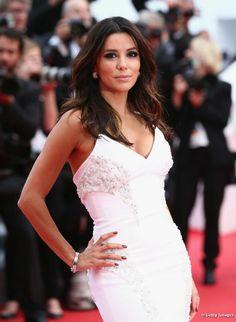 Colorida noche en Cannes: los mejores looks de cuatro seductoras celebridades