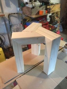 Collection of 1600 Woodworking Plans - Tabouret en bois un peu design par tedey - Jai fabriquer un tabouret plus ou… Get A Lifetime Of Project Ideas and Inspiration! Woodworking Projects Diy, Popular Woodworking, Woodworking Furniture, Diy Wood Projects, Furniture Projects, Furniture Design, Woodworking Plans, Woodworking Videos, Intarsia Woodworking