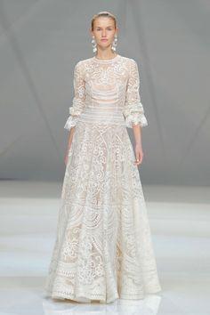 Naeem Khan Kollektion 2017 BARCELONA BRIDAL FASHION WEEK http://www.hochzeitswahn.de/inspirationsideen/naeem-khan-kollektion-2017/ #weddingsdress #bride #fashion