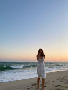 Beach Aesthetic, Summer Aesthetic, Summer Pictures, Beach Pictures, Summer Dream, Summer Girls, Insta Photo Ideas, Summer Feeling, Photos Du