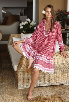 Boho-Chic Clothes Stylish Travelers Prefer Boho-Chic Clothes Stylish Travelers Prefer boho-chic clothes dodo bar do belle vivir The post Boho-Chic Clothes Stylish Travelers Prefer appeared first on Fashion Chic. Mode Chic, Cool Street Fashion, Milan Fashion, Fashion 2017, Stunning Dresses, Street Style Looks, Stylish Outfits, Summer Dresses, Casual Dresses