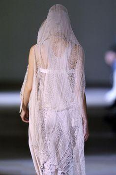 Haider Ackermann Spring 2006 - Details    Knit   Knitwear    runway   catwalk   high fashion   tricot
