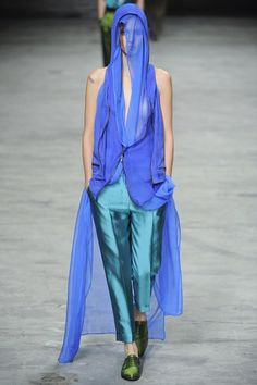 http://www.vogue.com/fashion-shows/spring-2012-ready-to-wear/haider-ackermann/slideshow/collection
