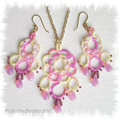 """""""Dream"""" pendant and earring set by yarnplayer, via Flickr"""