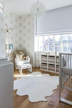 2 estilos para una habitación de bebé en gris Check more at http://decoracionbebes.com/2-estilos-para-una-habitacion-de-bebe-en-gris/