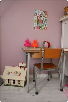 Kids room - Vintage desk - Emilie Sans Chichi