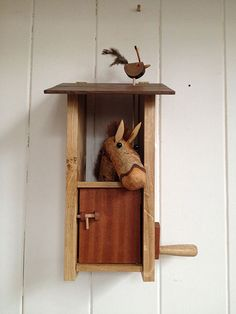 Pippin Oak Stable with Squeeky Bird by Lisa Slater - Cabaret Mechanical Theatre Kinetic Toys, Kinetic Art, Wood Crafts, Diy And Crafts, Arts And Crafts, Shadow Box, Toy Barn, Mechanical Art, Wood Toys