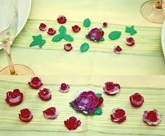 tischdekoration, gedeckter tisch, dekoration, blumen, blätter, rot ... - Wohnzimmer Rot Grun