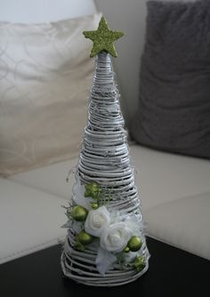Vánoční stromeček bílozelený - na přání / Zboží prodejce jircice Unique Christmas Trees, Handmade Christmas Tree, Miniature Christmas Trees, Mini Christmas Tree, Modern Christmas, Rustic Christmas, Christmas Holidays, Christmas Centerpieces, Christmas Tree Decorations