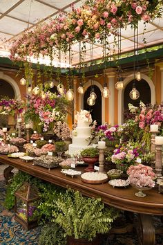 Legend 46 luxury decoration ideas for outdoor wedding events - Dekoration Ideen - Celebration Wedding Centerpieces, Wedding Table, Wedding Reception, Wedding Decorations, Reception Ideas, Wedding Dinner, Centerpiece Ideas, Decor Wedding, Wedding Vows