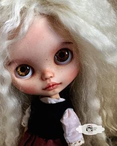 Vivianne OOAK Custom Blythe Doll