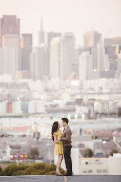 Skyline/cityscape in the background San Francisco City Tour Engagement Session Engagement Shots, Engagement Couple, Engagement Pictures, Urban Engagement Photos, Couple Photography, Engagement Photography, Wedding Photography, Save The Date Karten, Photos Originales