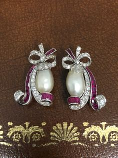 Art Deco Natural Pearl Ruby Diamond Earring Clips, circa 1920 In Excellent Condition For Sale In London, GB