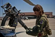 Woman Military Soldier  Machine Gun Wallpaper