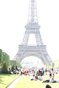 Under the Eiffel Tower - Paris photo diary