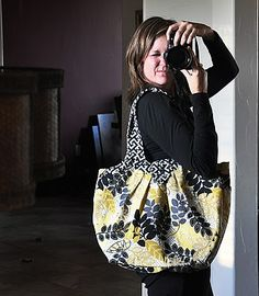 Made: Amy Butler's Cosmo Bag - Living with Punks Sewing Paterns, Amy Butler Fabric, Purse Patterns, Handmade Bags, Fabric Design, Purses And Bags, Punk, Style Inspiration, My Style