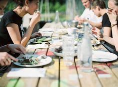 Op woensdag 10 augustus is iedereen welkom om een hapje mee te eten en te genieten van lokale en verse producten bij het gezellige aanschuifdiner van Uit Je Eigen Stad.