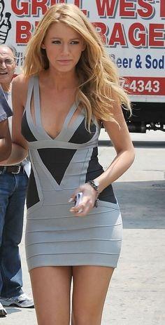 Blake Lively usando vestido bandage: Tendência para o verão. Saiba mais em http://vestidoscurtosparafesta.com/vestido-bandage-tendencia-para-o-verao/ #bandage #vestidoscurtos #vestidobandage #blakelively