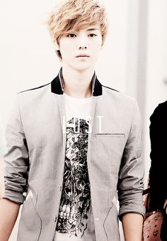 LuHan 鹿晗 (루한) formerly of EXO 엑소