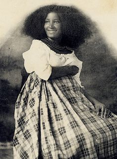 """woman of martinique circa 1910  (is this the source for the great engraving in the Dover """"Women"""" volume?)"""