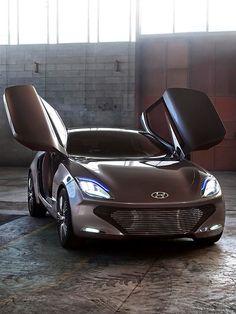 Futuristic Hyundai i-oniq with Gullwing Doors Unveiled