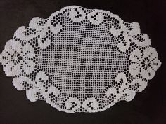 Filet Crochet, Doilies, Diy And Crafts, Decorative Plates, Crochet Patterns, Hello Kitty, Embroidery, Instagram, Home Decor