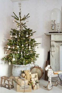 Here are the Scandinavian Christmas Decoration Ideas. This post about Scandinavian Christmas Decoration Ideas was posted under the category. Christmas Trends, Merry Little Christmas, Noel Christmas, Scandinavian Christmas, Country Christmas, Christmas Inspiration, Winter Christmas, Simple Christmas, Natural Christmas