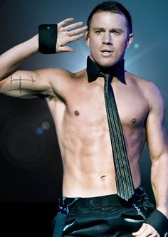 Channing Tatum Is People Magazine's Sexiest Man Alive - Today's Evil Beet Gossip Magic Mike Channing Tatum, People Magazine, Actrices Sexy, Star Wars, Hottest Male Celebrities, Hommes Sexy, Man Alive, Good Looking Men, Chris Hemsworth
