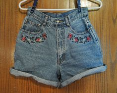 Must Have for S/S 2012!! Ahh, i want i want I WANT!!! Vintage Embroidered Denim Shorts Women's Size 56 by zippyelement, $18.00