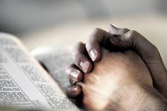 Necesidad de orarle a Dios y como nos beneficia espiritual, emocional y físicamente.